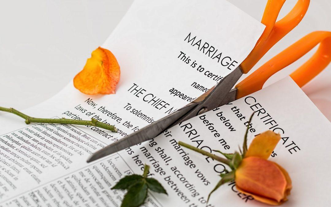 Pourquoi le divorce par consentement mutuel est moins cher et plus rapide