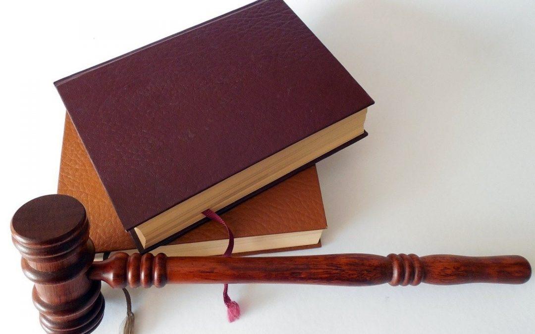 Quel est le rôle d'un avocat en droit militaire ?